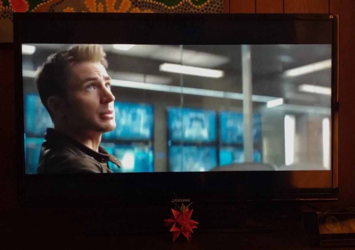 Esperando #CapitanAmericaCivilWar Extended Blu-Ray para verlo en LED TV 3D, mejor que en cine, #MiCineSamsung :D #Ad https://t.co/aucVaS4oQz