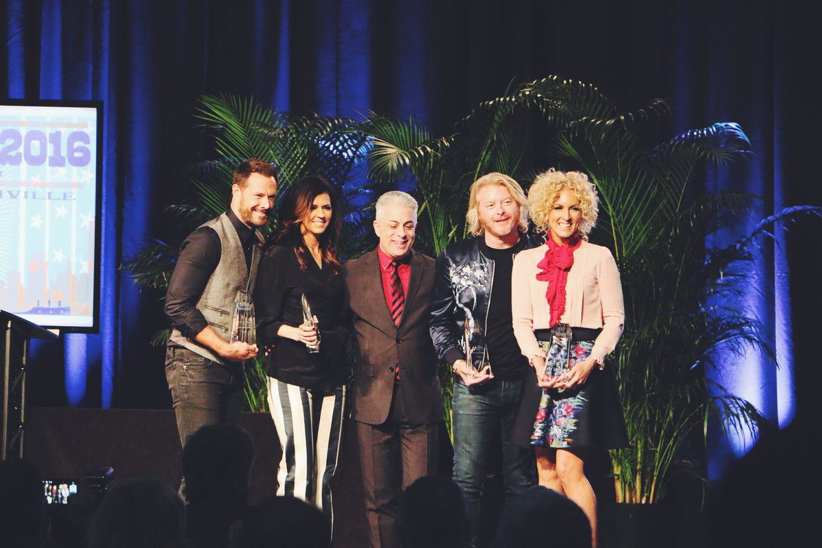 """Artist of the Year #MusicBiz2016 goes to our """"crush"""" @littlebigtown !"""