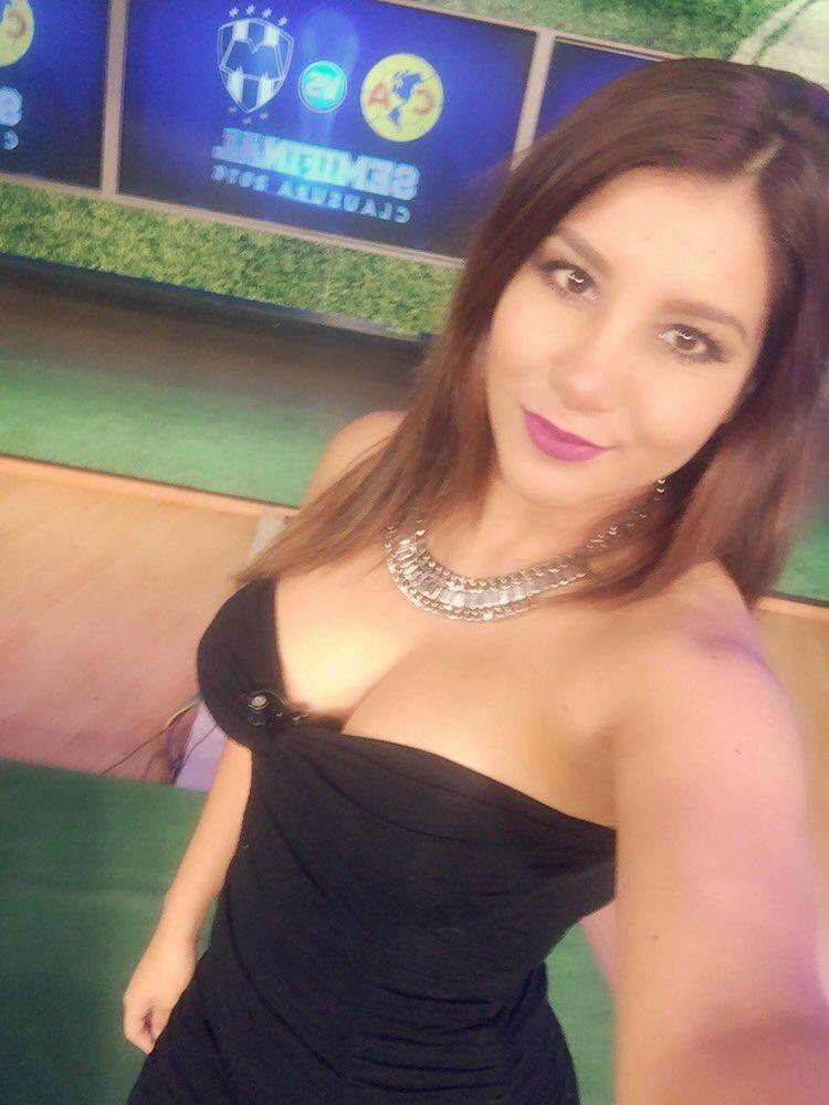 A punto de comenzar la transmisión especial previo a la semifinal por @mmdeportesmx cámbiale https://t.co/nfNrejoyl8