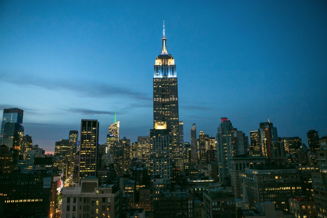 The Empire State Building will glow blue and white in honor of Columbia's class of 2016. Congratulations, grads! https://t.co/a2T75sShVg