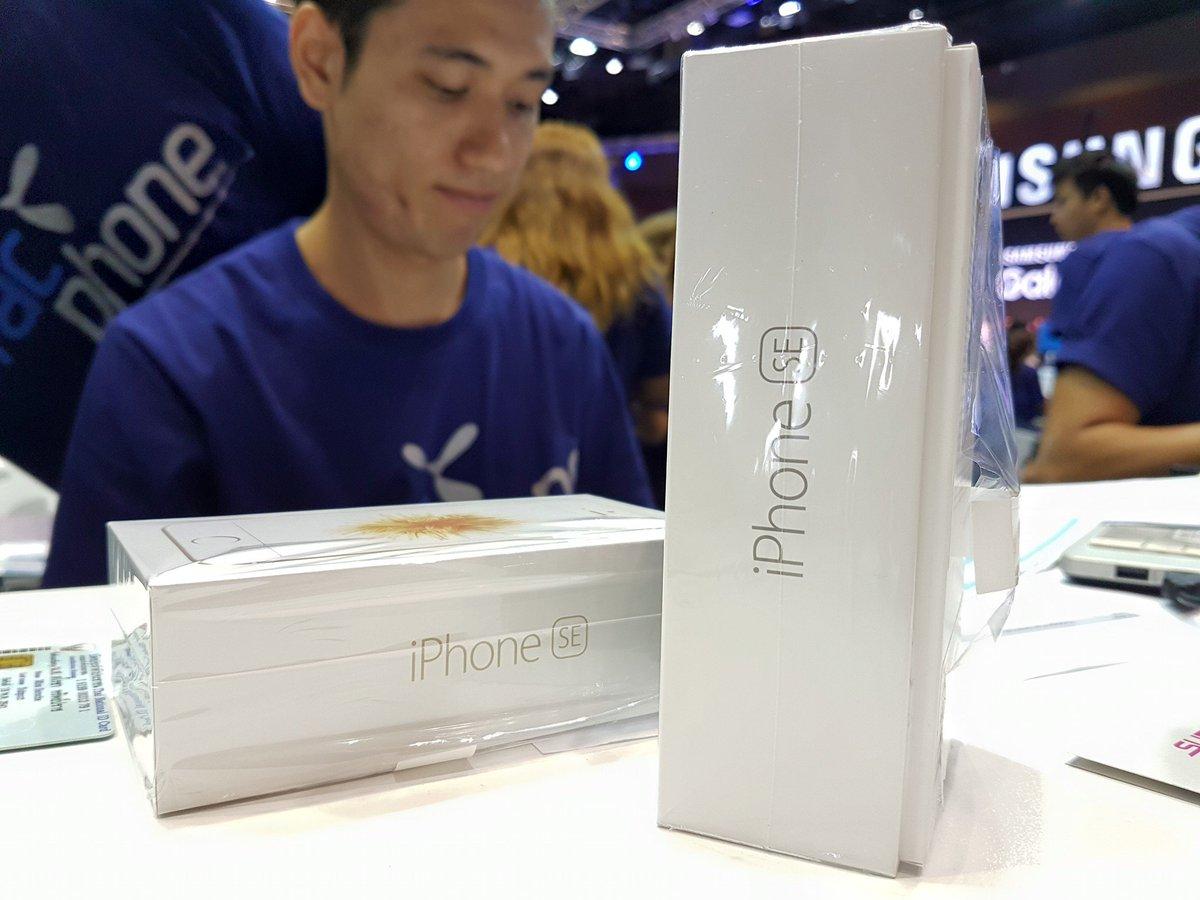 ครบทุกค่าย iPhone SE มีของ มาซื้อกันเลย #MobileExpo ดีแทค, ทรู 11,800 / เอไอเอส 12,000 ศูนย์ฯสิริกิติ์ https://t.co/TNrYNn8rwb