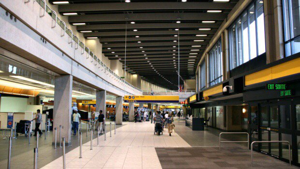 Hamilton woman says Air Canada worker 'lunged' at her in Calgary airport