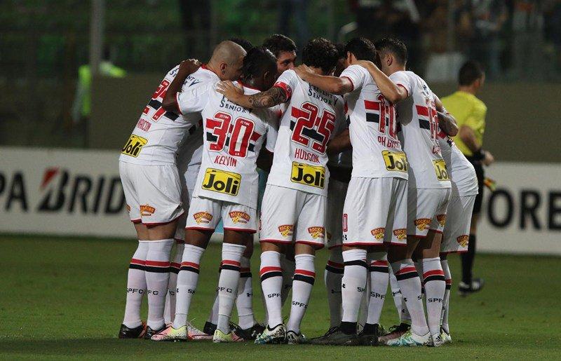 Com gol fora, @SaoPauloFC elimina @atletico e vai à semifinal da Libertadores:https://t.co/IbPAkiBiGa #EquipePHGanso https://t.co/GTFpll29Gx