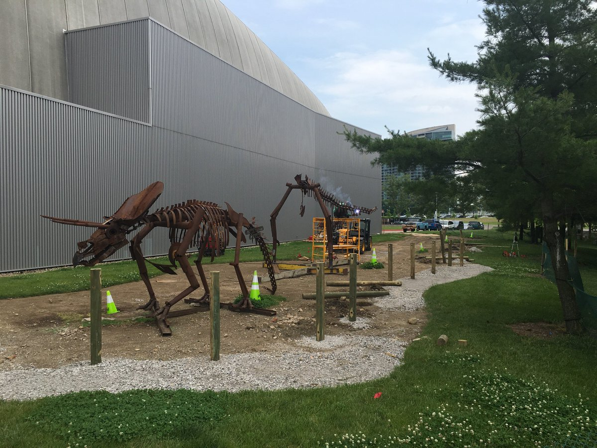 Sculptor Dan McCauley is welding T-Rex's tail for our Dinosaur Sculpture Garden. See more during @CbusArtsFest https://t.co/5mOdsUAlP8