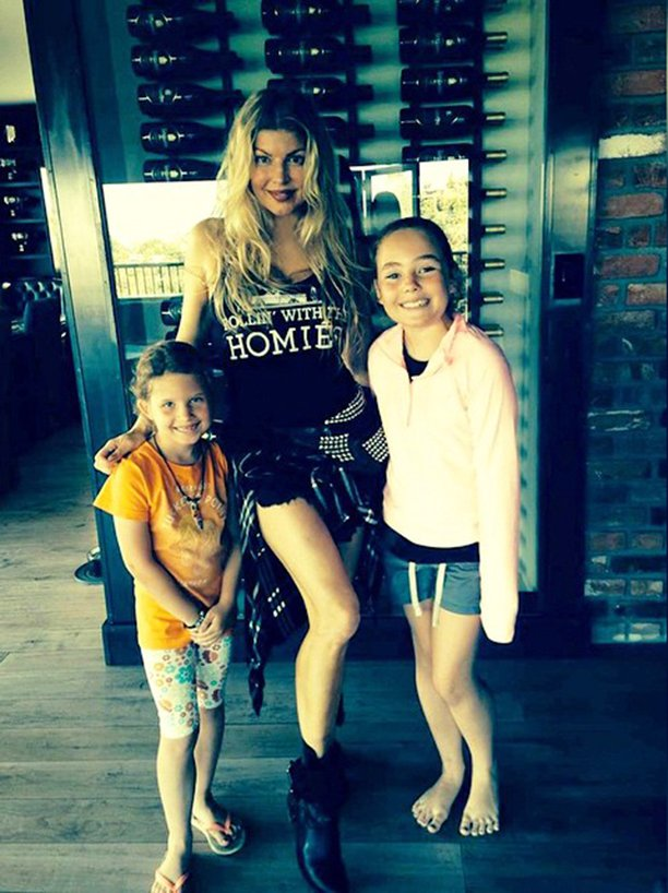 RT @FergusonCrest: #tbt 2015:@Fergie #rollinwiththehomies at the #FergusonCrest Solvang home. #wine #winecellar https://t.co/jN3cE0nFqS htt…