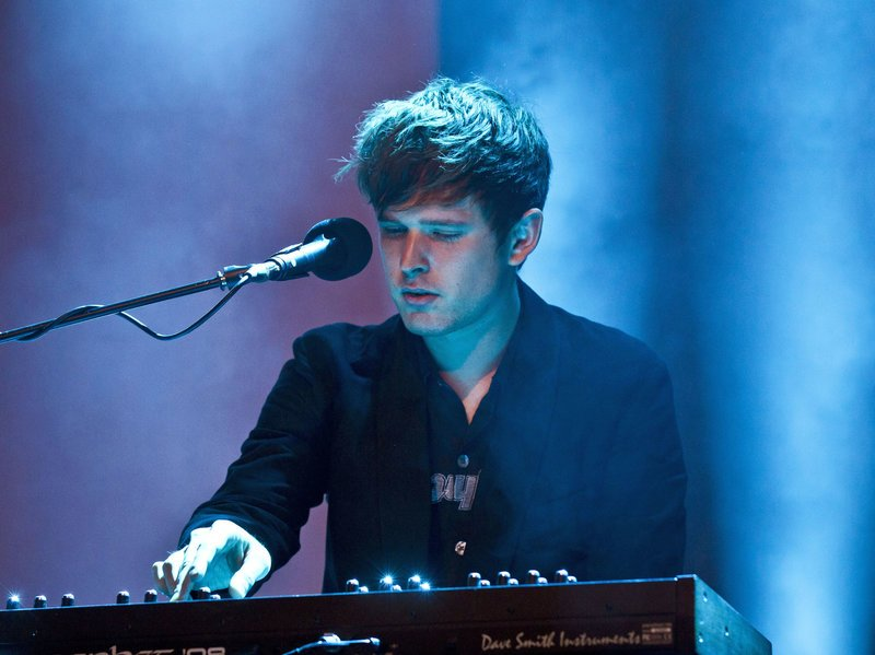 Wanna see @jamesblake when he returns 2 Chicago this fall? RT 4 a chance to win tix from CHIRP! @JamUSA #jamesblake https://t.co/oDPBiMkFd1