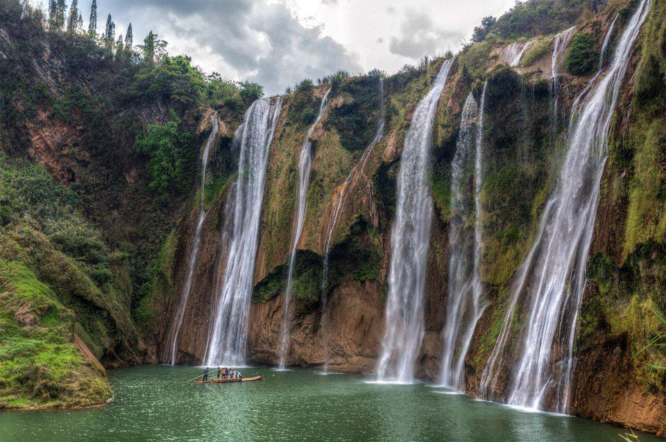 Nine Dragon Falls, China | Photography by ©Chaluntorn Preeyasombat https://t.co/8Xk93sCGpq