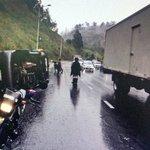 Incidente de tránsito - Simón Bolívar sector redondel de Zámbiza, cerrado el carril derecho N/S tome precauciones. https://t.co/VRZ0017EJQ