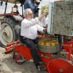 """""""Cuando me llaman populista me acuerdo de Cañete montado en un tractor""""???? #PabloIglesias2D #IglesiasQuiereGobernar https://t.co/JiMvhB3YOw"""