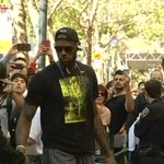 VIDEO: #LebronJames, #Cavaliers arrive in #SF: https://t.co/kfKLqsBIVX Watch #NBAFinals this Thursday, only on ABC7! https://t.co/Jhd4EpVA0v
