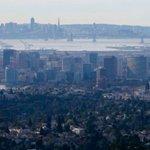 Y Combinator announces basic income pilot experiment in Oakland https://t.co/6ZgO7jtnWe https://t.co/z0GhH07G4d
