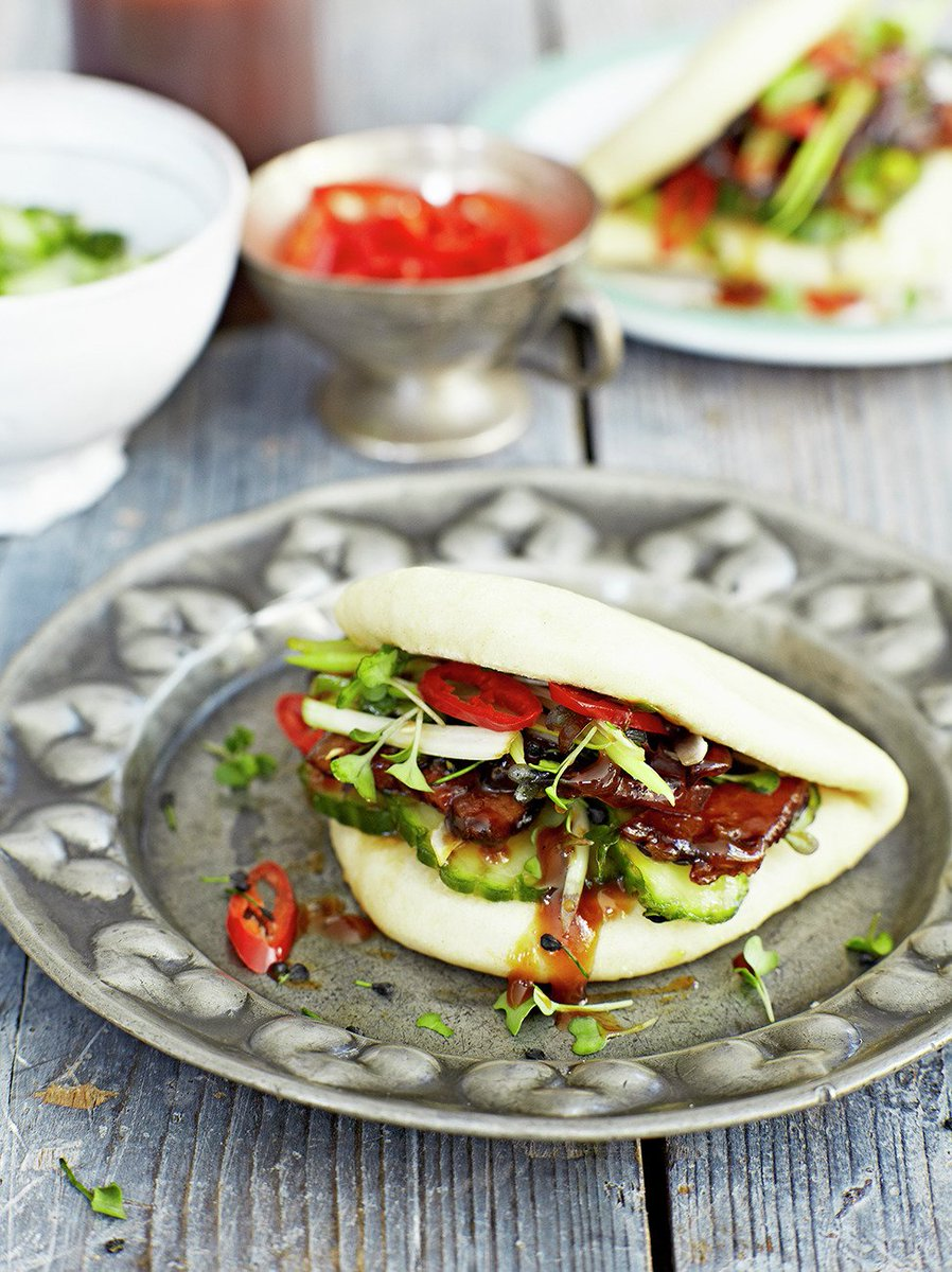 #RecipeOfTheDay is pork belly buns from @JamieMagazine - simple, delicious and tender: https://t.co/yTqU2qGhw4 https://t.co/J8ocR0lW68