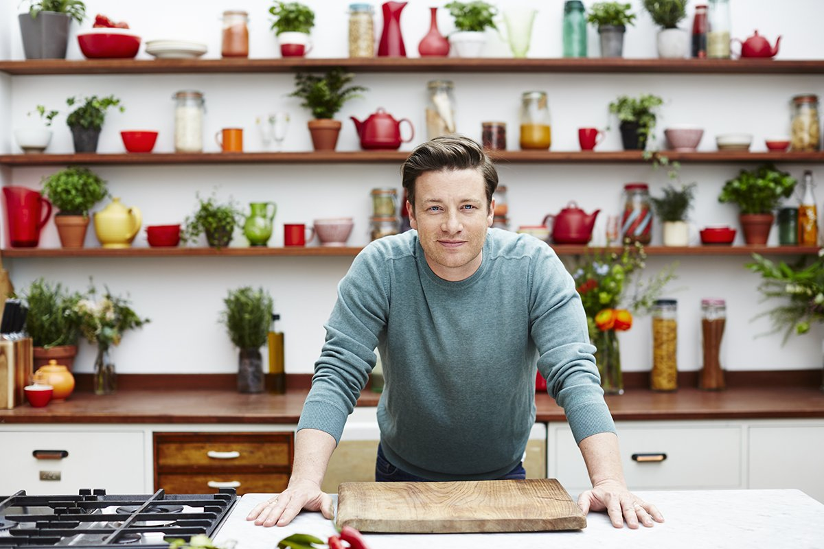 RT @Deliveroo: Head over to @JamieOliver's Facebook page tomorrow morning for a big announcement... and an even bigger competition! https:/…