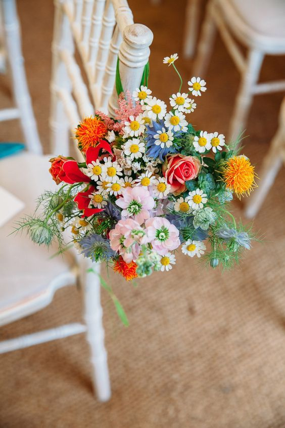 "We love the ""just picked"" look for wedding flowers! #weddinghour https://t.co/YA2Jx3KoDb"