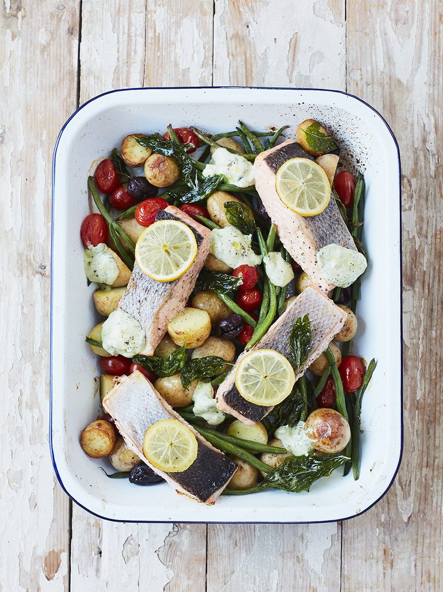The clean, summery flavours are a joy to eat! Get today's #RecipeOfTheDay: https://t.co/tkk3nhzPHQ https://t.co/wb4eEHWfbV