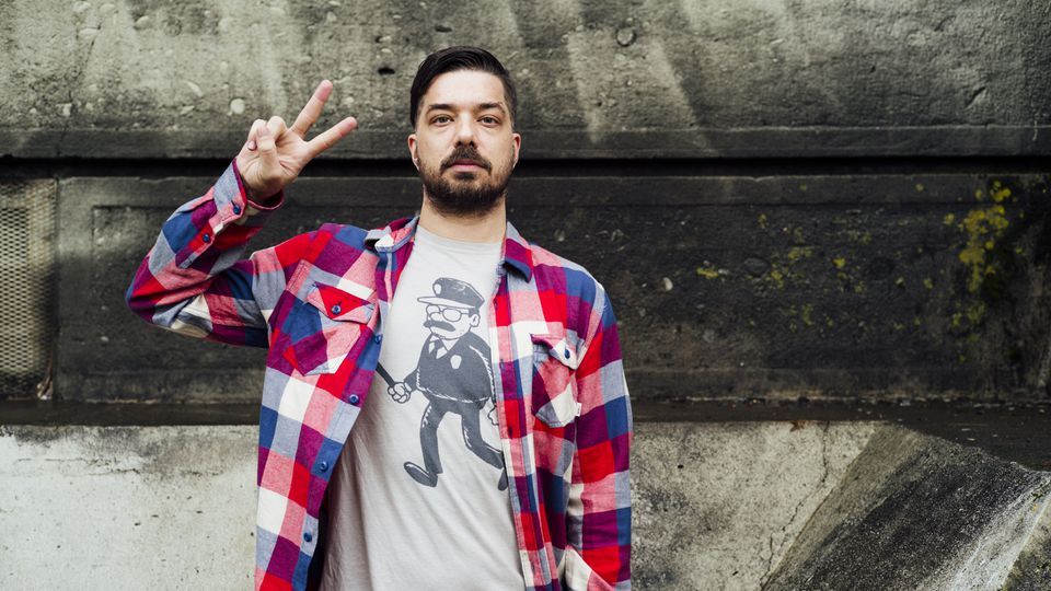Rap at 40 with Aesop Rock. Interview by @BusyGillespie. https://t.co/Y9jVzLJYNC https://t.co/kwnSdPxgTc