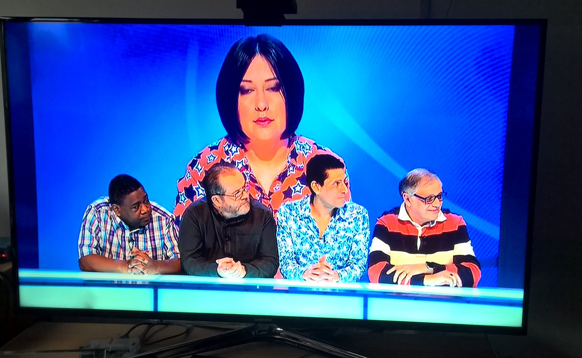 Just put the telly on & I've no idea what's happening. There's a massive lady! Or some tiny men! Are they her pets? https://t.co/SGAbxyYjqq