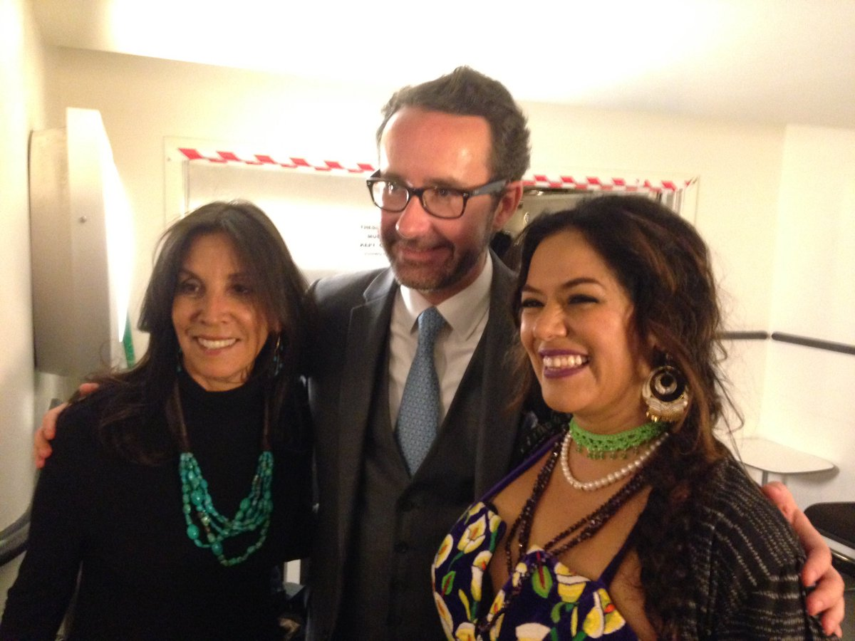 Amazing gig with Olivia Harrison presenting @liladowns her #SonglinesMusicAward pictured with the Mexican Ambassador https://t.co/Qo3zogUpqE