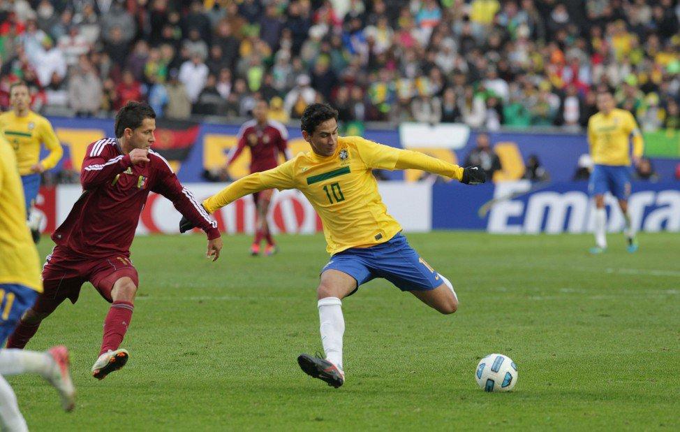 @phganso é convocado para defender o Brasil na Copa América: https://t.co/DL1qxkXKWW Post: #EquipePHGanso https://t.co/d0qB0MR4P2
