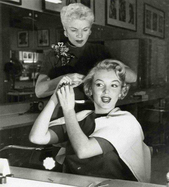 Happy Birthday to the timeless beauty Marilyn Monroe! #90 #MarilynMonroe https://t.co/FMcpwOLBZO