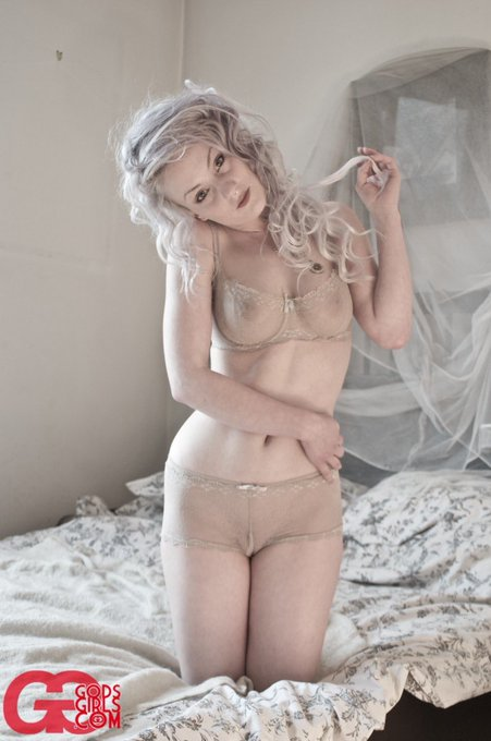 1 pic. Happy birthday @GodsGirls - thank you for enabling my first foray into internet nudity (circa