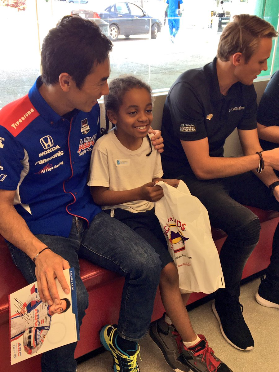 .@TakumaSatoRacer + @maxchilton join @Racing_For_Kids to talk fast cars + spread smiles @ChildrensDMC for @detroitgp https://t.co/RcsLaCeYYO
