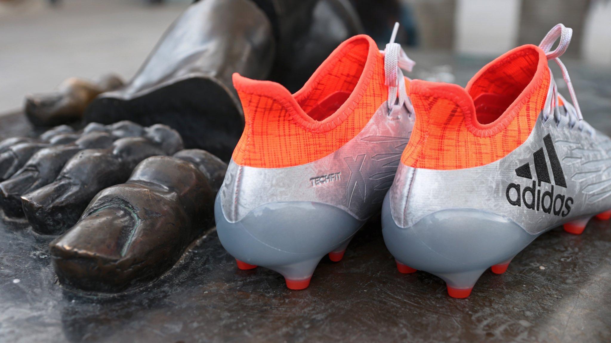 ¡Sé el primero en encontrar mis #X16 para #EURO2016! ¿Te atreves? Más pistas en @adidas_ES  #FirstNeverFollows https://t.co/CnQpHTKl7Q