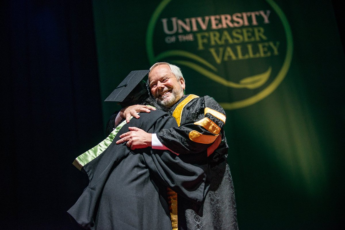 President Evered hugs it out, convo style. Huge congratulations to all grads now crossing the stage!! #ufvConvo16 https://t.co/tMoHVeMg9S