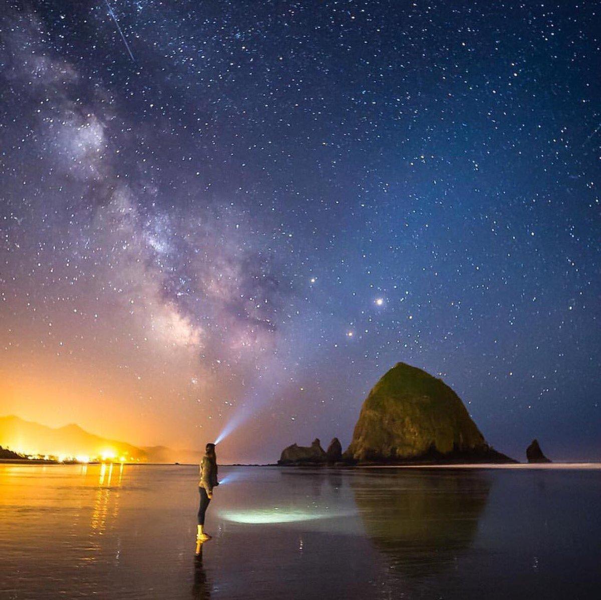 自从上次在Hady看了令人震撼的银河之后对银河的爱慕之情如银河般浩瀚无际。 https://t.co/1u3DjcNfwq