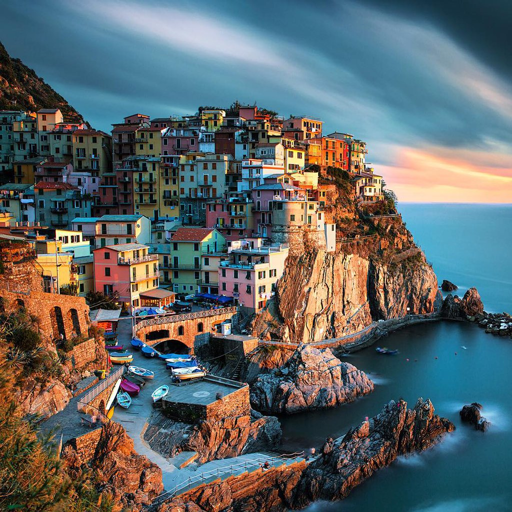 A thousand colors in Manarola, Italy | Photography by ©Ilhan Eroglu https://t.co/K6BrRbawvS
