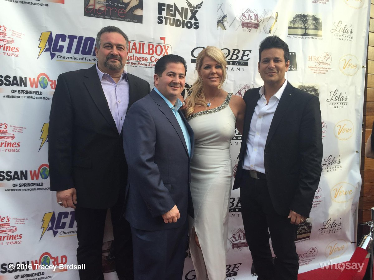 Love my Jersey boys! W/cast @PastoreActor @BillSorvino Joe D'Onofrio @LavanyaCoodly gown @CPRBeverlyHills  #Gr8ful https://t.co/OIxHRxDrBG