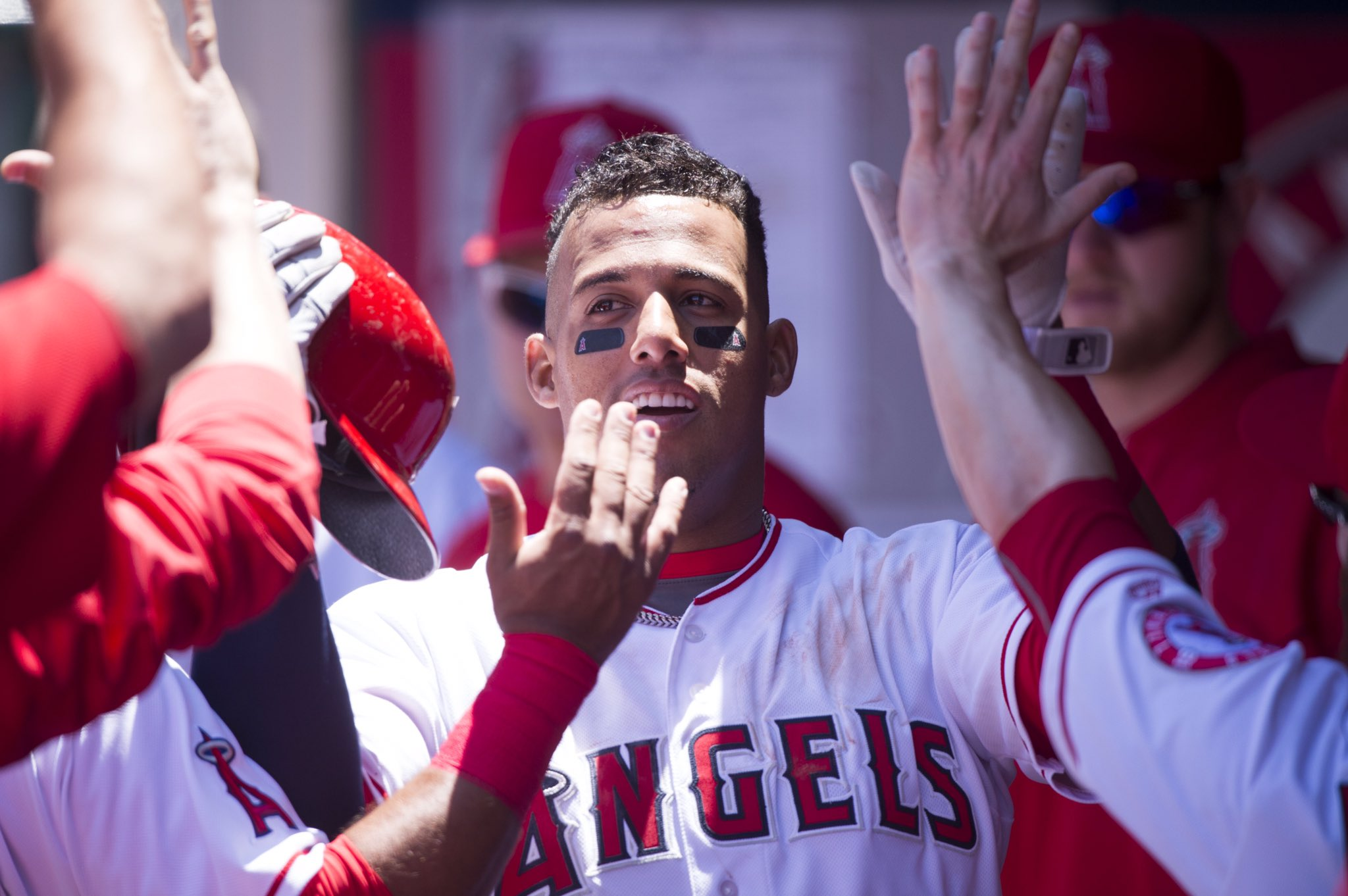 #Angels rally for 5 runs in the 3rd, extending the lead to 6-0 heading to the bottom of the 4th. https://t.co/Xbt7QuCC48