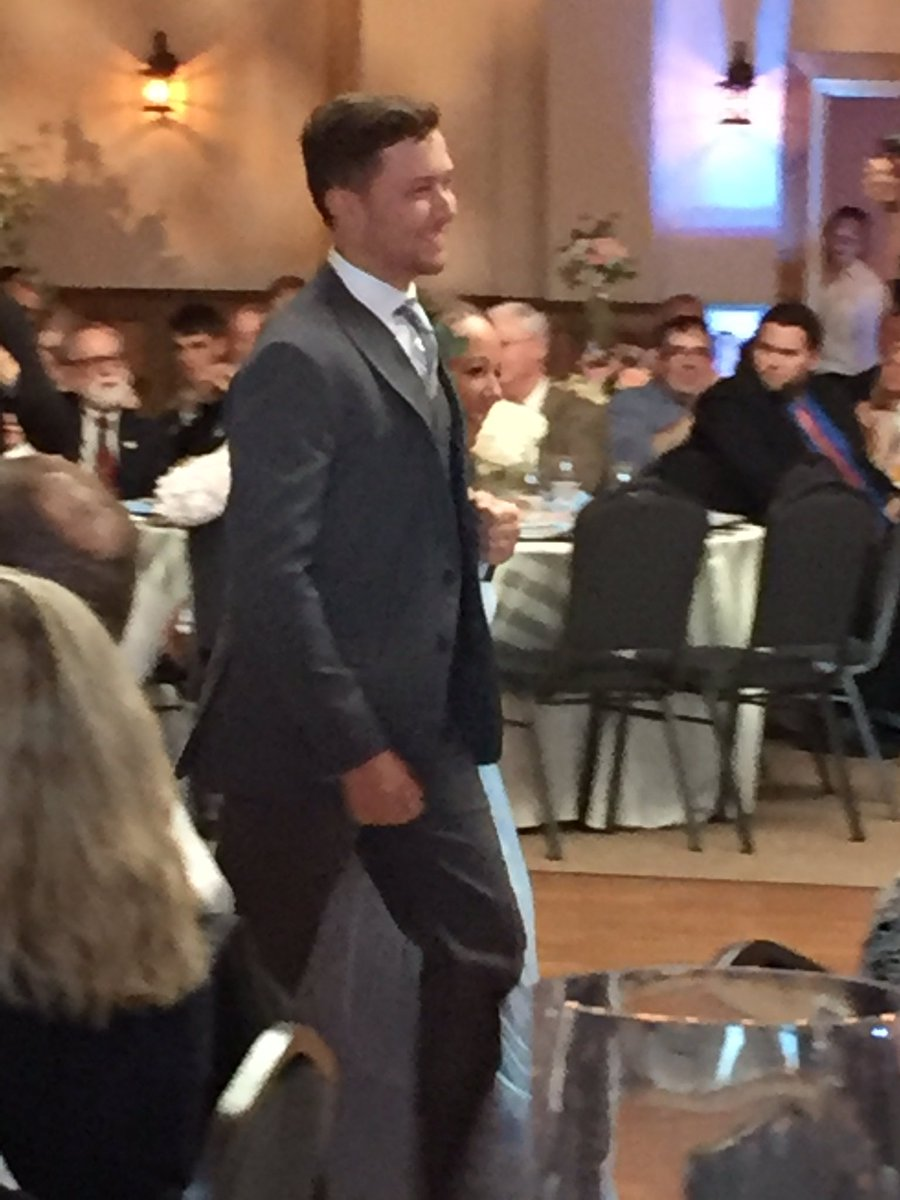 Happy brother.  Swore I saw him tearing up a bit during the ceremony.  #happyeverlassiter https://t.co/Ii5ImUE9hU