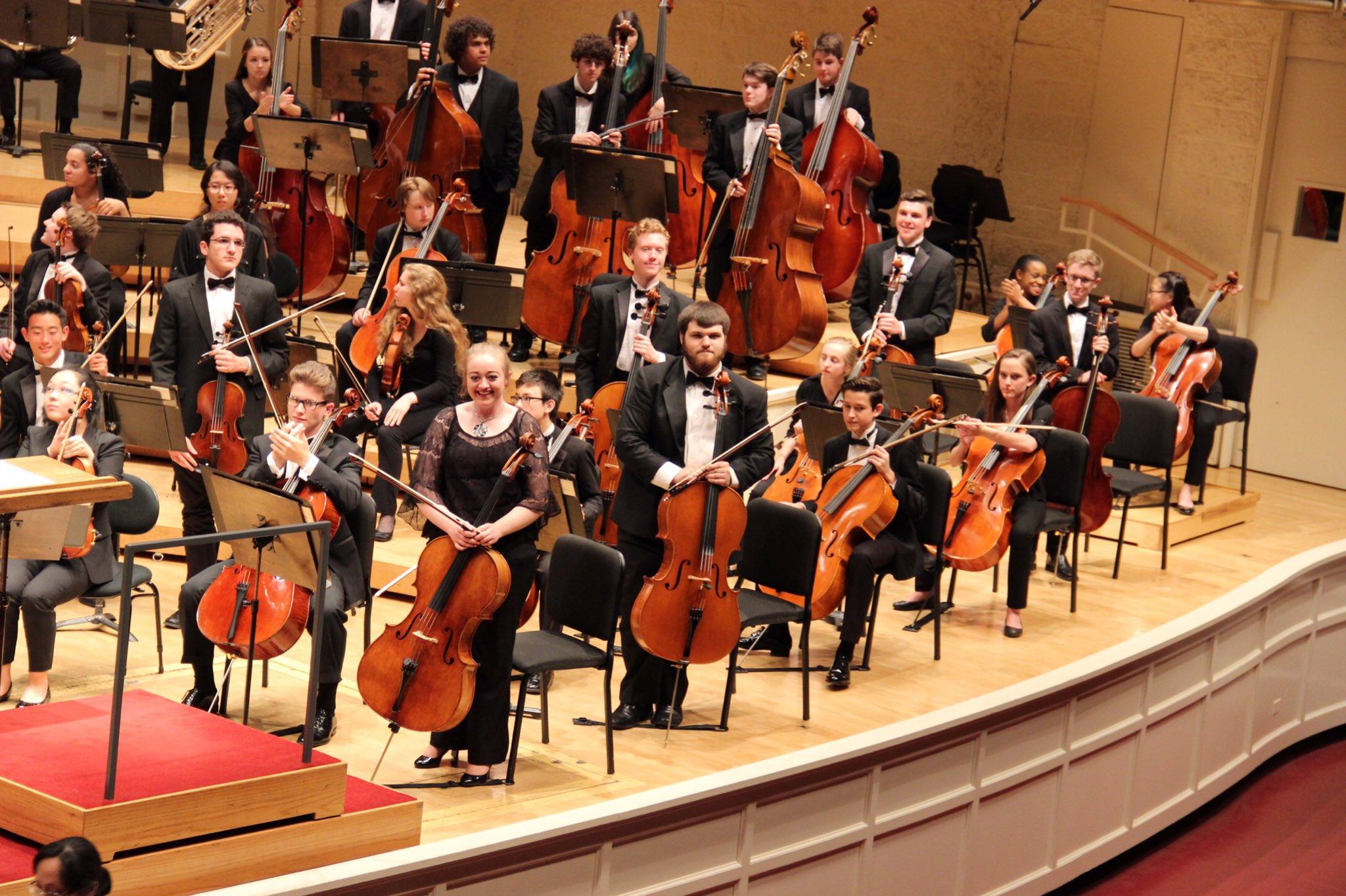 We salute @ChiYSO senior cellists T. Edwards, L. Morgan & A. Smerz. Incredible musicianship. #WeAreDGN #99Learns https://t.co/XtSsaAxKOm