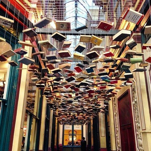 This gorgeous walkway can be found in London's East End - it may not be a bookshop, but we love it just the same! https://t.co/Np4Al0166u
