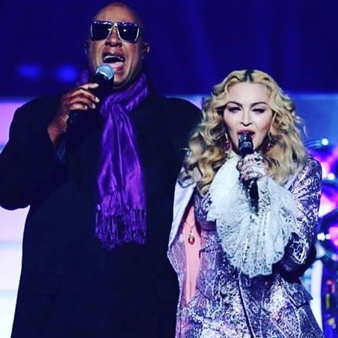An Epic Moment for Me to sing in honor of Prince with Stevie Wonder☔️????☔️????????????. #luckiestgirlintheworld https://t.co/69uGQT7ygi