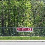 FIREWORKS REGULATIONS: #Mississauga #Fireworks???? By-law re sale, safety, times: https://t.co/jOeWyVfZ4Q #CanadaDay???? https://t.co/VszlFOrJN1