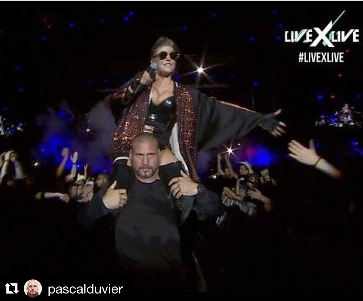 #regram @pascalduvier: Some things never change!!! Perfect show in Lisbon Portugal #LiveShow https://t.co/Yz09j68R4b https://t.co/UnmqpAj5GW