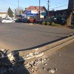La pura cagada en #ValdiviaCl Poste caído y energía cortada en P.Montt c/Picarte https://t.co/BITrglLa04