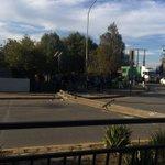 [🔵AHORA] Camión bota poste en acceso al puente Calle Calle en #Valdiviacl y corta el suministro eléctrico del sector https://t.co/q5k7AQ38OJ
