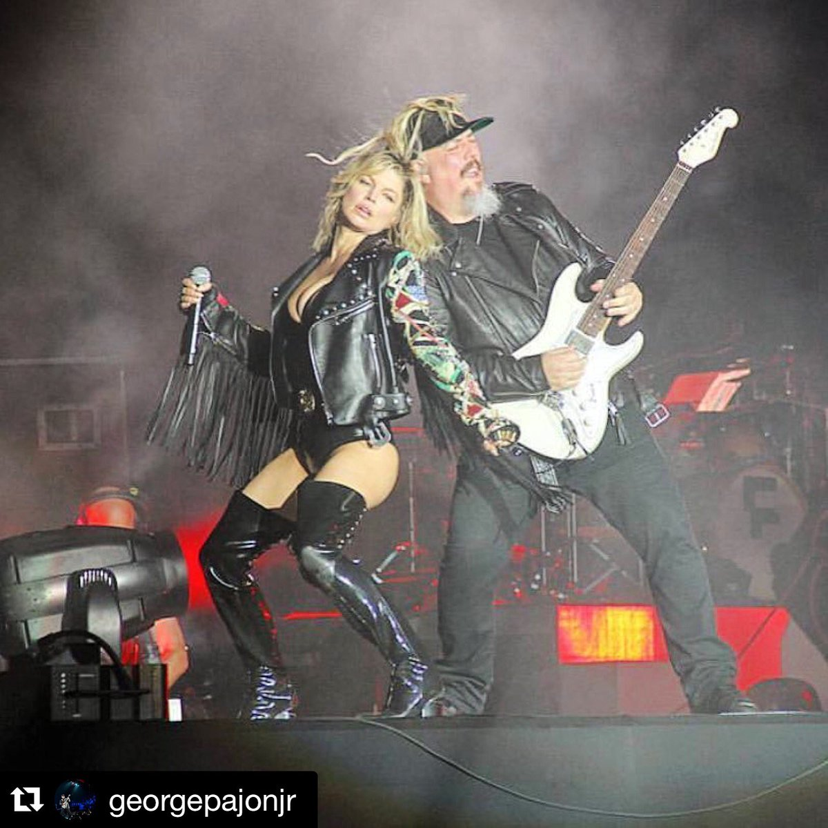 #regram @georgepajon:What an amazing shot. Such a blessing to be back out w/ @fergie #fergie https://t.co/NFbOI87NMs https://t.co/t2EG4aFqMG
