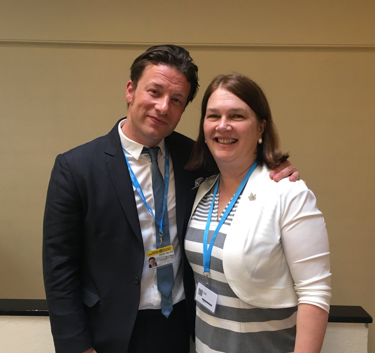 RT @janephilpott: Very inspired at #WHA69 by meeting with @jamieoliver on his leadership on healthy eating & a #FoodRevolution. https://t.c…