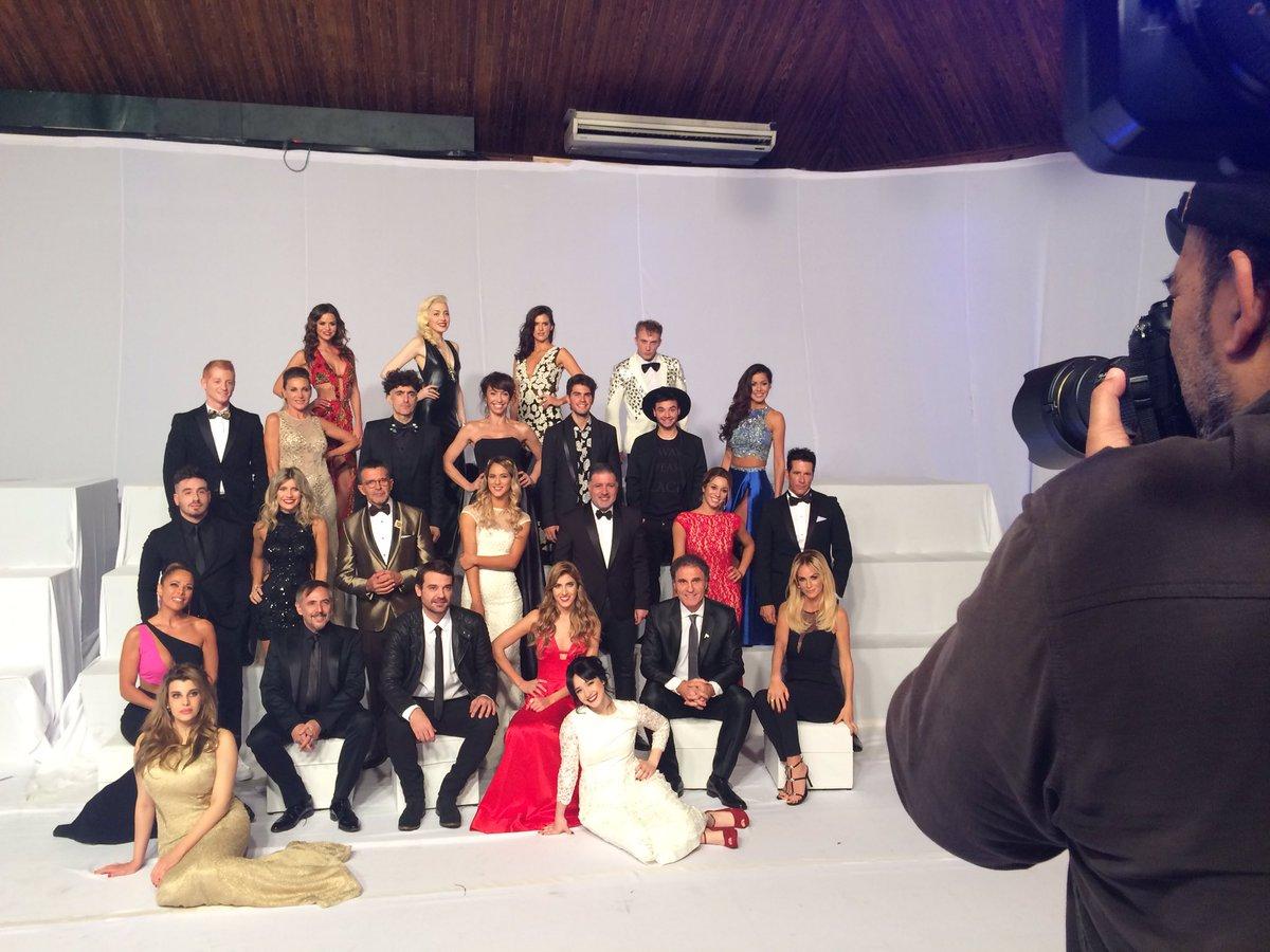 El elenco del Bailando sonriendo ante la cámara de @NegroLuengo para #LaFotoDeBailando, Showmatch se viene con todo! https://t.co/bI4FCm2u8P