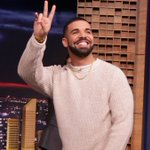 .@DrakeUniversity hilariously invites @Drake to see its campus views: https://t.co/7gGDq8Kqg0 https://t.co/foc587Vejz