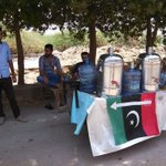 Every Jiyala playing his role on directives of @BBhuttoZardari. Water Camp in Karachi by PSF. #HeatStroke #PPP #PSF https://t.co/hz05Ecg3Jr