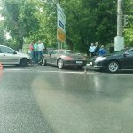 У площади Пушкина в Иванове столкнулись шесть машин https://t.co/YIpSYOX1WL https://t.co/zySyFJx7s6
