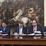 Renzi ha firmato il protocollo di vigilanza sulle procedure per bonifica aree di Bagnoli https://t.co/Av5jw3yOOp https://t.co/vHlwyQV7yU