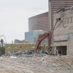 PHOTOS: Demolition of the Riviera continues https://t.co/S2FKeVgUaw https://t.co/AdFMXJzToB