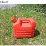 #Insolite à vendre 5 litres de Gasoil 89 € sur #leBonCoin #penuriecarburant #donges https://t.co/ERsF7vcv7Z https://t.co/tCjrqqfGKj