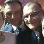 #RokTemu pierwsze #selfie pary prezydenckiej po ogłoszeniu wstępnych wyników wyborów @AndrzejDuda @MMSzefernaker https://t.co/gOcpJlIuzJ